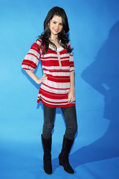 Selena Gomez nice