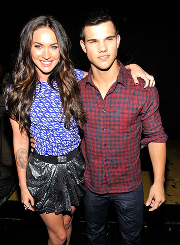 Actors Megan Fox and Taylor Lautner attend the 2010 Teen Choice Awards at Gibson Amphitheatre in Universal City, California