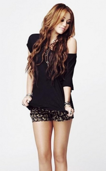 Miley Cyrus poses for a new photo shoot 2010