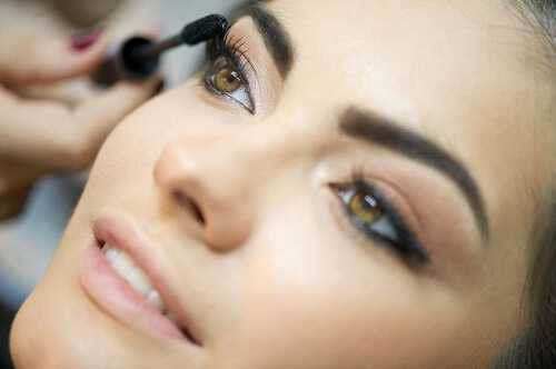 Using Eye-Makeup to Create a Stunning Look