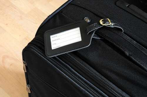 How to Use Name Tags when Traveling