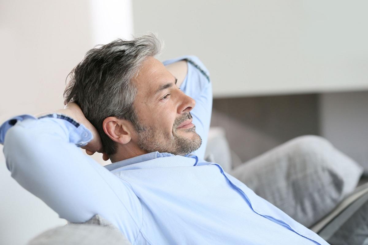 5 Advantages of Dating an Older Man