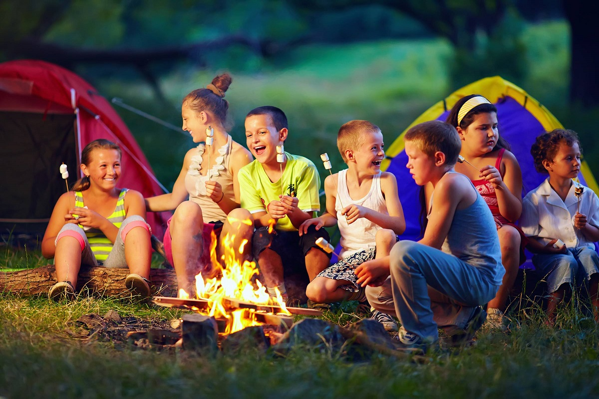 7 Reasons Your Kids Should Go to Summer Camp