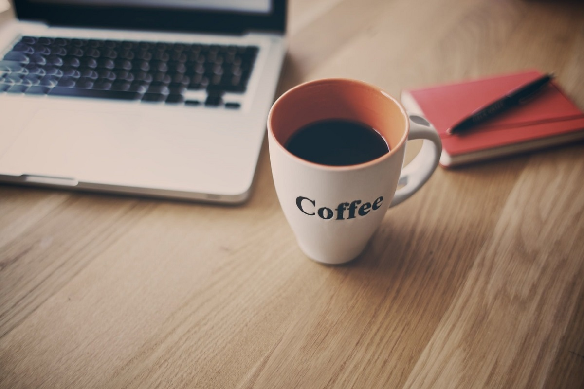 4 Tips on Using Logo Coffee Mugs to Promote Business