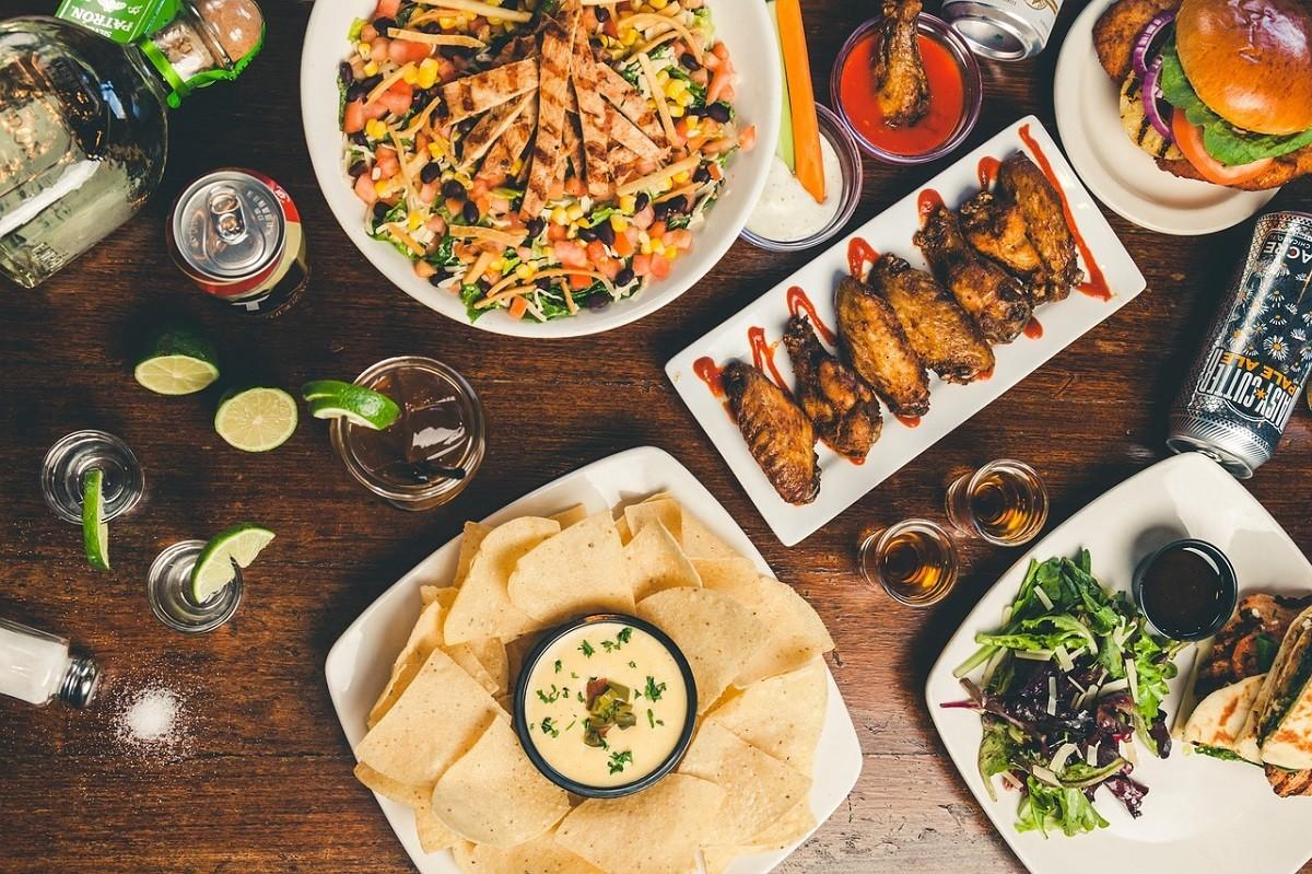 9 Advertizing Tricks to Make Food Look Good