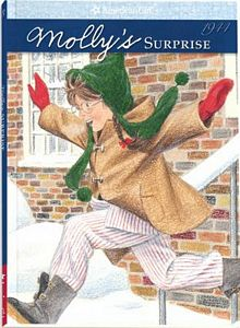 Mollys Surprise: A Christmas Story by Valerie Tripp