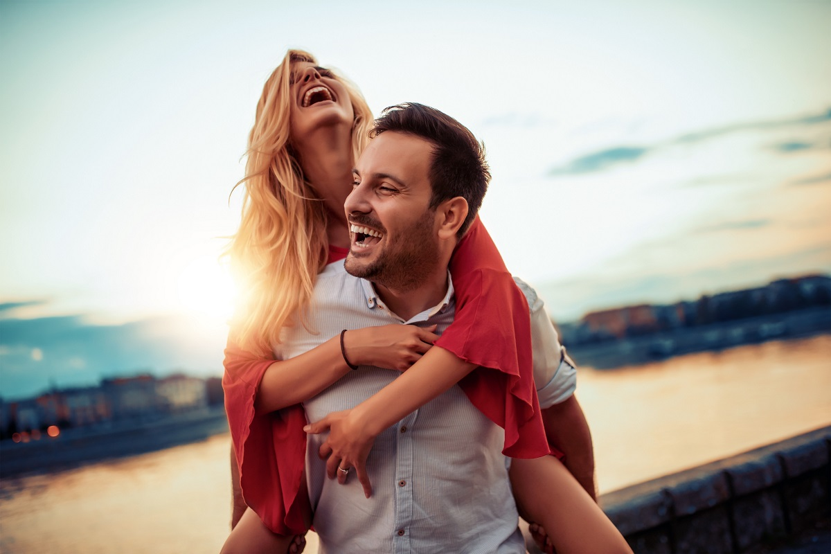 7 Ways to Make Your Boyfriend Miss You