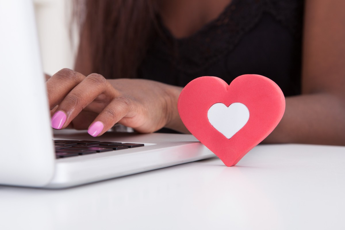 8 Tips for Online Relationships