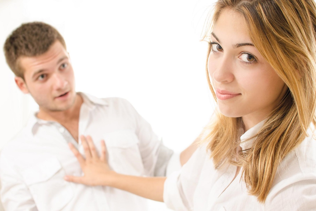 7 Polite Ways to Say No to a Guy Who Asks You Out