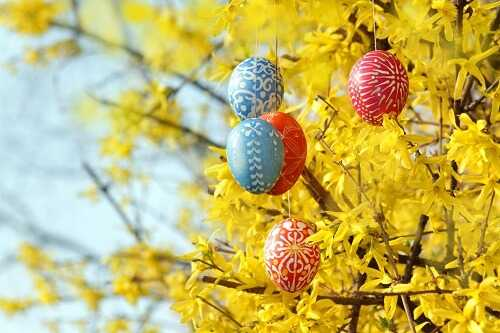 Outdoor Easter eggs tree