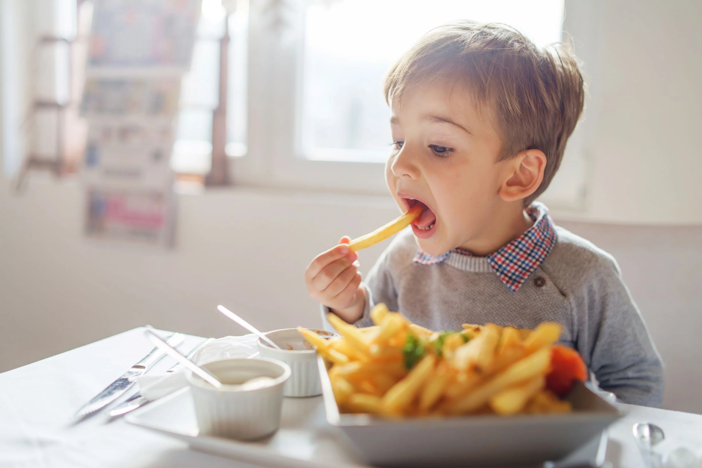 6 Tricks to Prevent Children from Eating Junk Food