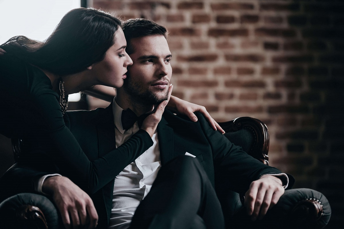 7 Best Ways to Make Him Think about You