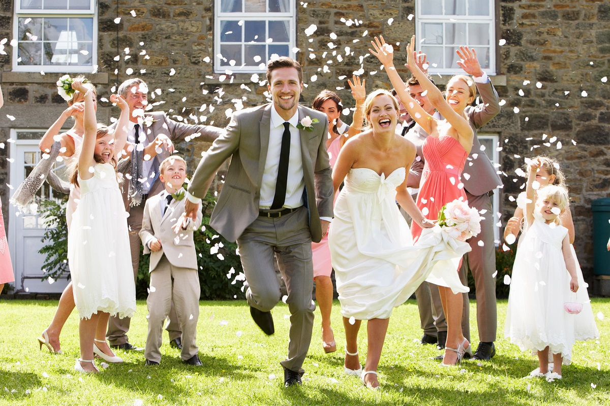 7 Tips and Tricks on Saving Money for Your Wedding
