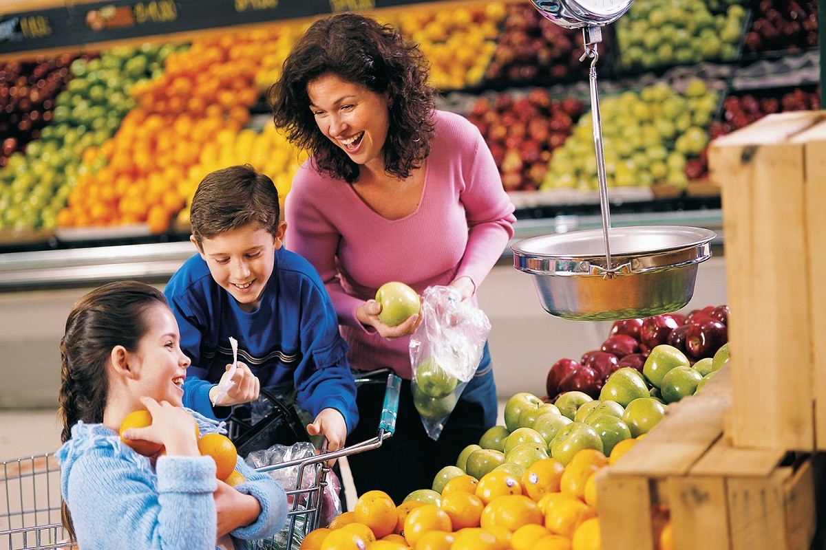 7 Ways to Go Shopping with Children