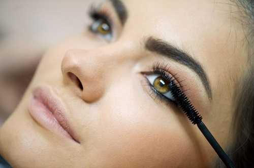Best Model Makeup Tricks