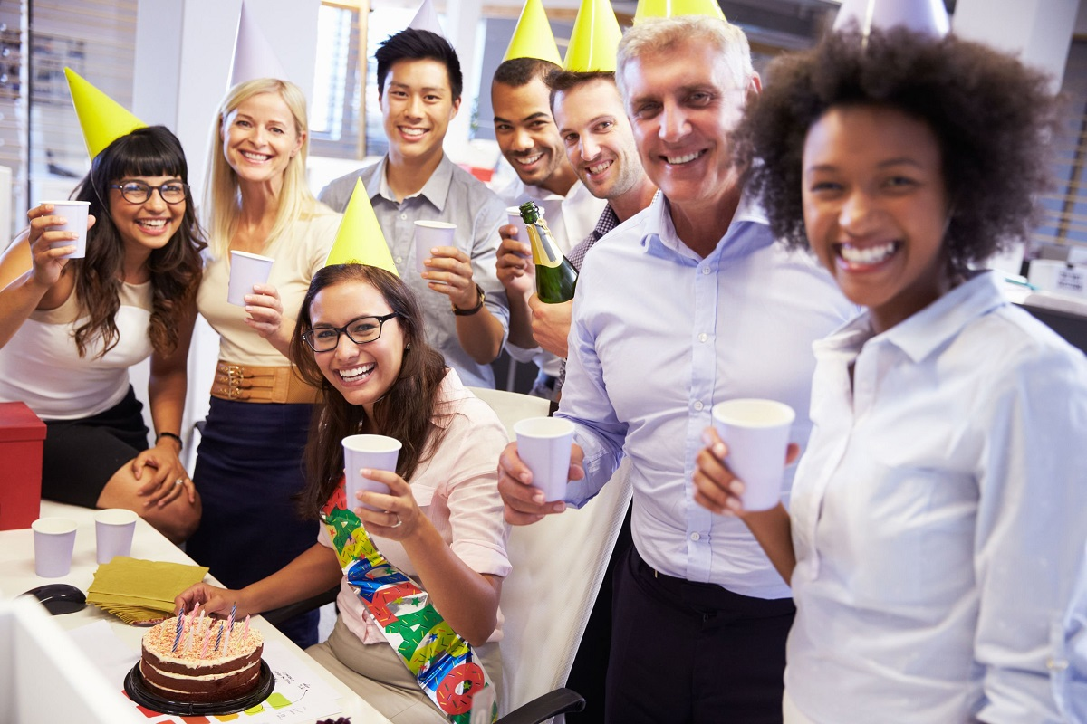 6 Creative Ways to Celebrate Your Boss's Birthday