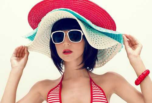 8 Beach Accessories That Will Make You Look Sexy