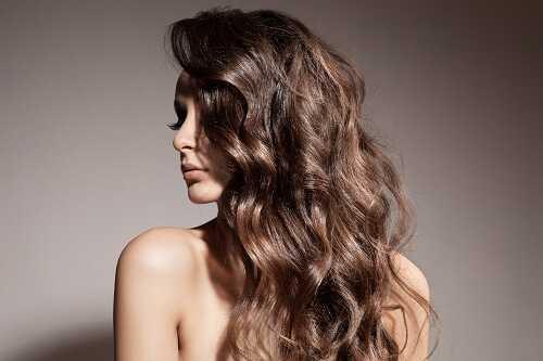Boho loose waves hairstyle