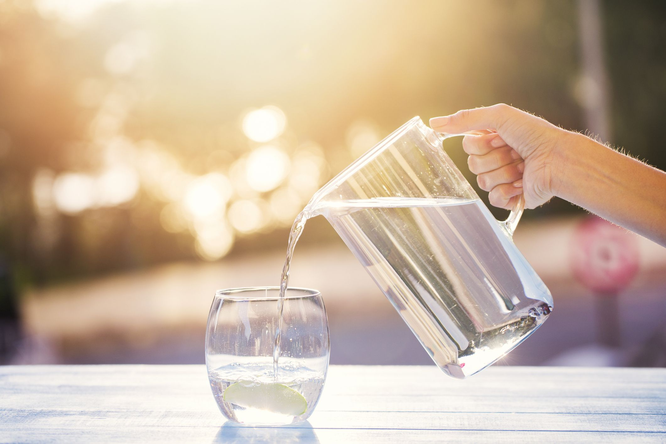 7 Smart Ways to Stay Hydrated This Summer