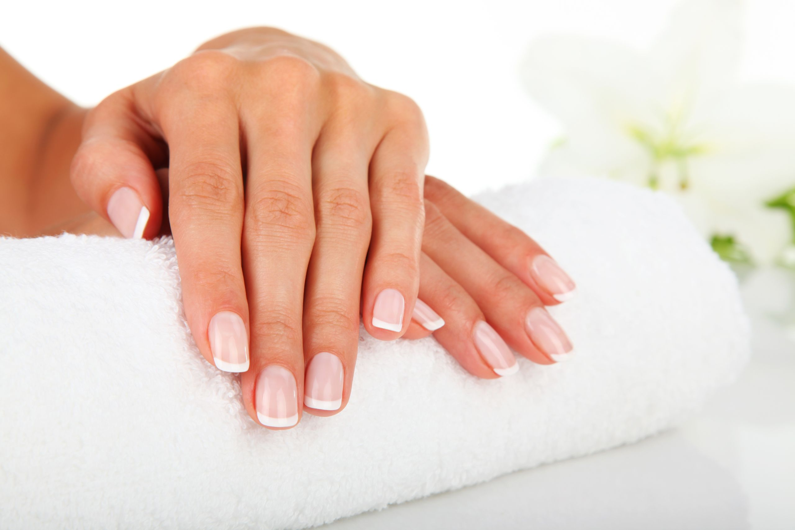 8 Best Remedies for Brittle Nails