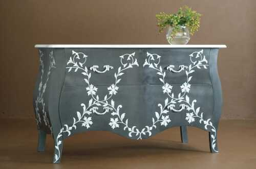 Lace detailed dresser