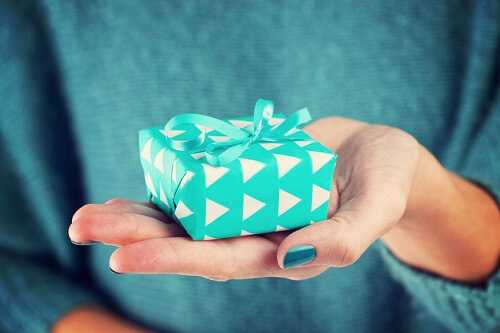 Generosity Is Above All: 6 Ways Giving Makes You Happy