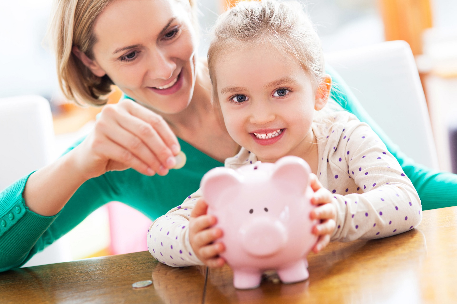 5 Easy Ways to Teach Your Kids About Money