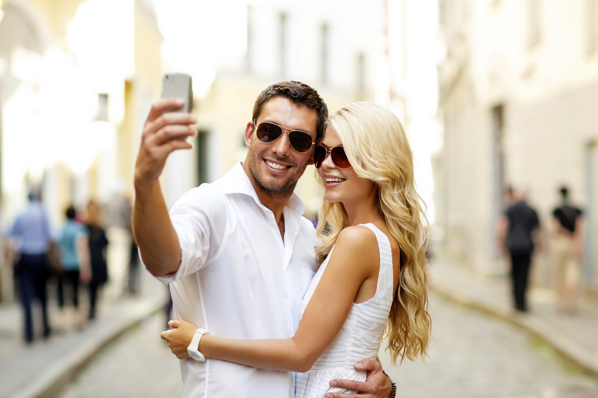 5 Signs Your New Guy Is in Another Relationship