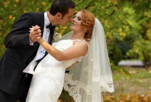 8 Splendid Tips for Planning a Beautiful Fall Wedding