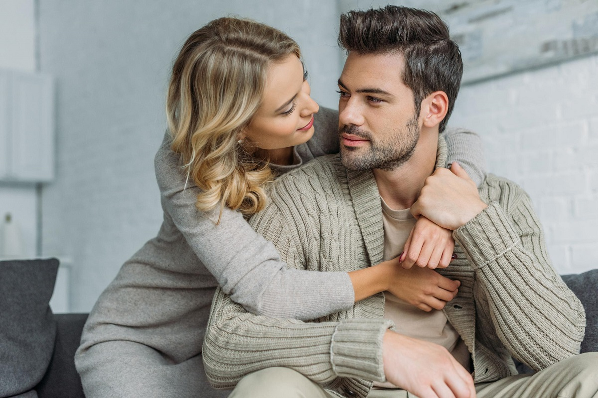 6 Signs Your Boyfriend Thinks He's Better Than Other People
