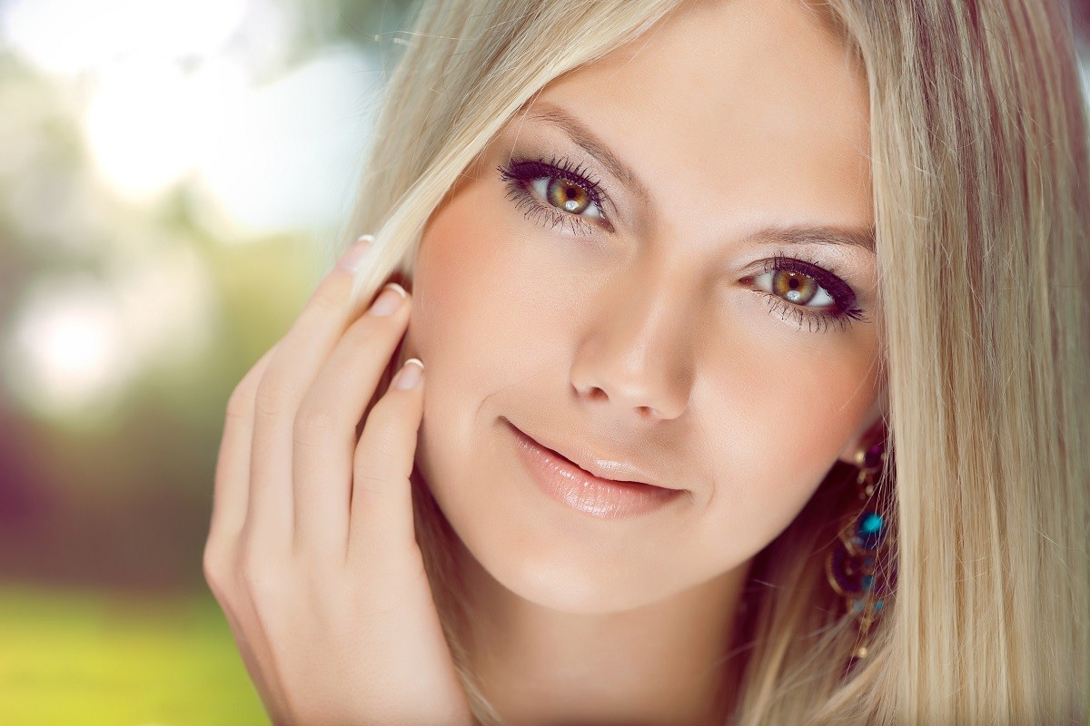 7 Best Makeup Tips for Blondes