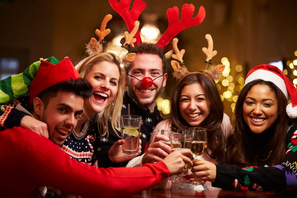 11 Best Christmas Party Games