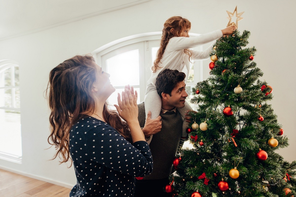8 Ways to Celebrate Christmas without Overspending