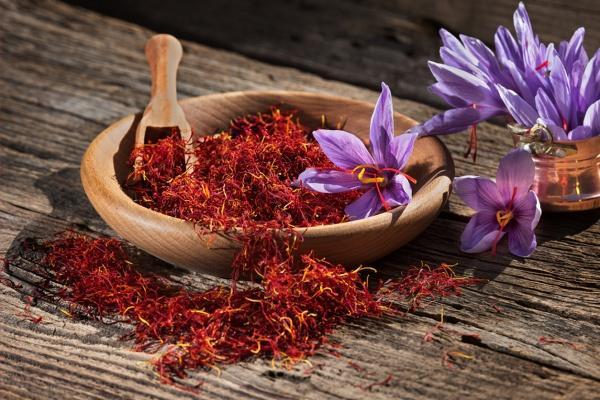 Foods That Help Fight Cellulite Saffron