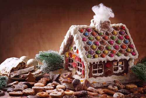 3 Make A Gingerbread House 10 Fun Christmas Activities