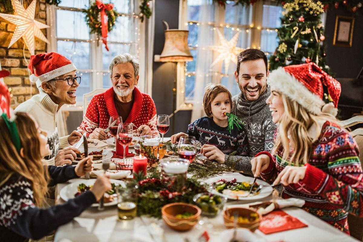 10 Tips for People Who Don't Celebrate Christmas