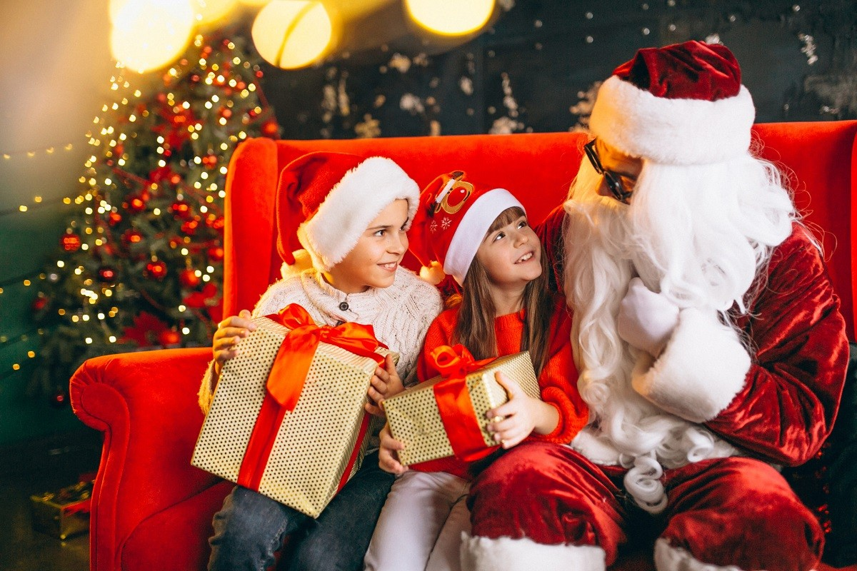 6 Ways to Keep Santa Claus Real for Your Child