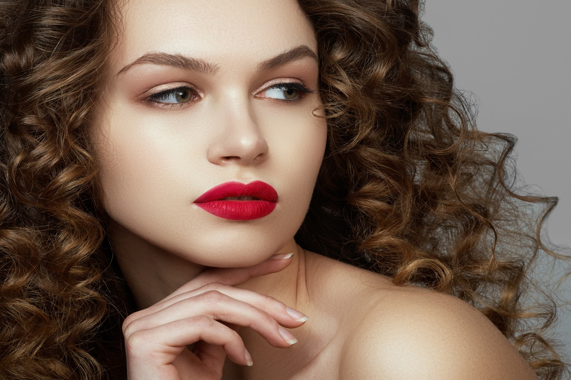 7 Date Night Makeup Mistakes to Avoid