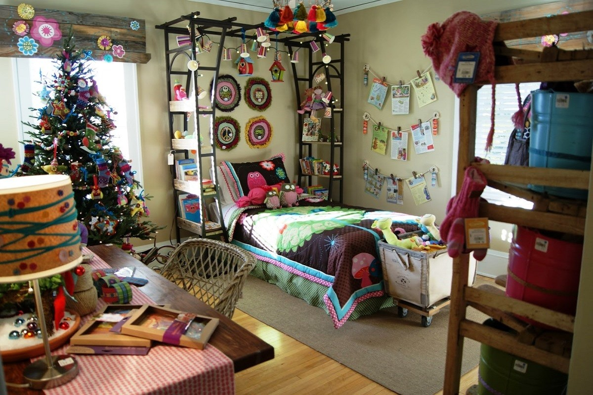 7 Fascinating Christmas Dorm Room Decorating Ideas