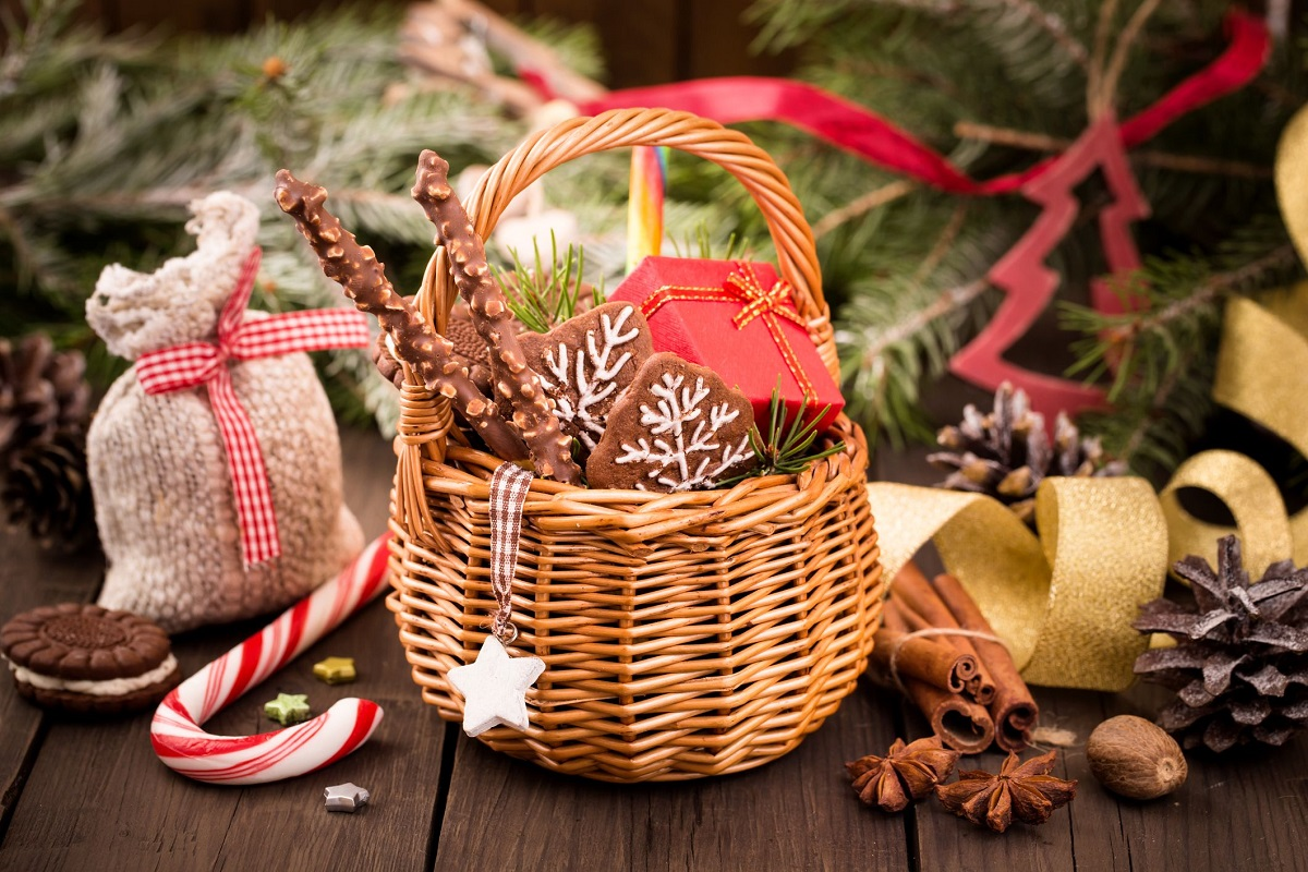 7 Great Things to Add to Your Christmas Gift Basket