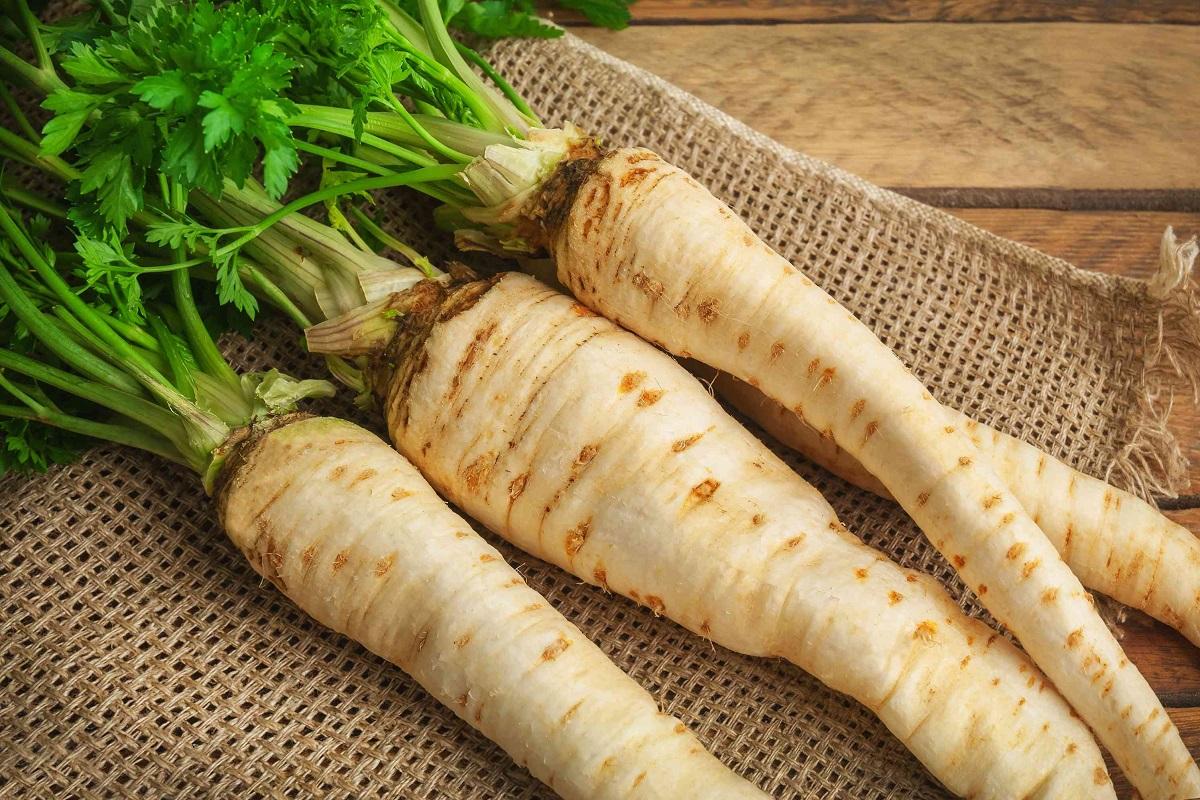 8 Amazing Health Benefits of Parsnips