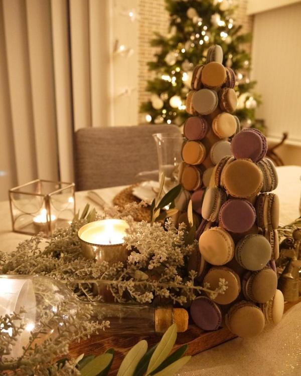 Celebrate Christmas with Kids Decorating dinner table