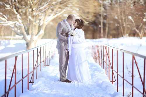 A white Christmas wedding