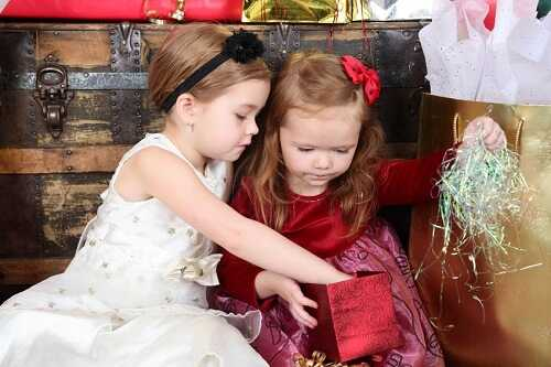 8 Incredibly Fun Kids' Christmas Party Games