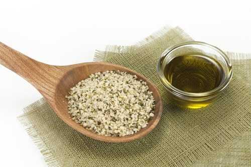 4 Nutritional Benefits of Hemp Oil