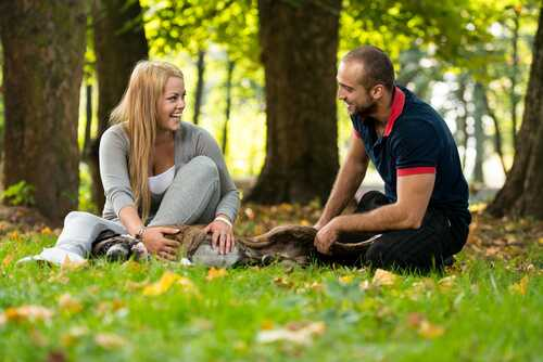 Ways to Start a Conversation with a Man