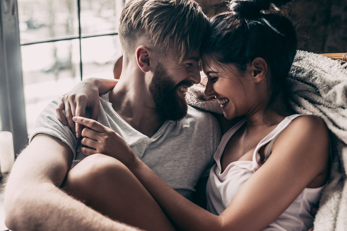 7 Amazing Ways to Make Your Boyfriend Be More Affectionate