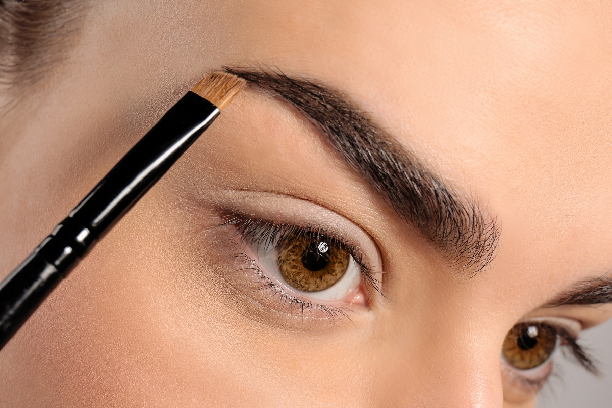 7 Tips on How to Shape Your Eyebrows