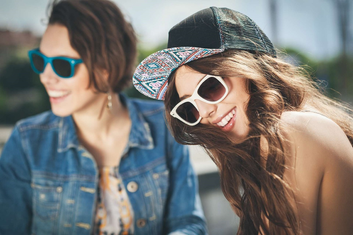 7 Ways to Stay a Positive Friend during Hard Times