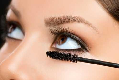 Mascara on Lower Lashes